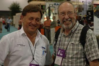 Rencontre avec l'hybrideur Angus Stewart de l'Australie au OFA Short Course à Columbus, en Ohio, le 15 juillet 2007.